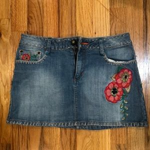 Cute denim skirt with flowers
